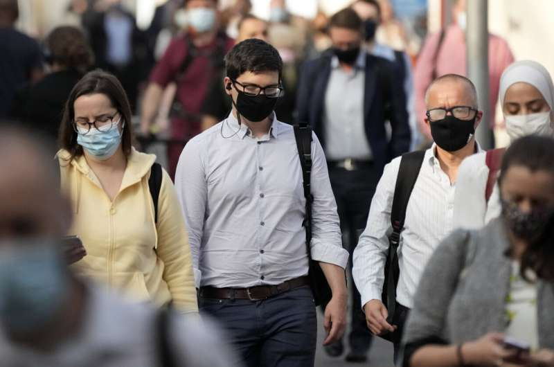 Britse regering van plan om een einde te maken aan virusorders die werden ondervraagd als gevallen boven 50,000
