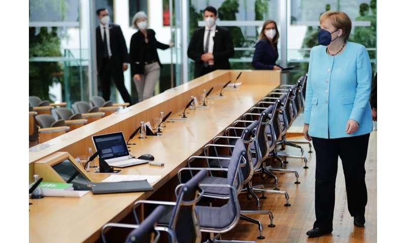 Merkel spune că COVIDul german crește îngrijorător și solicită vaccinarea