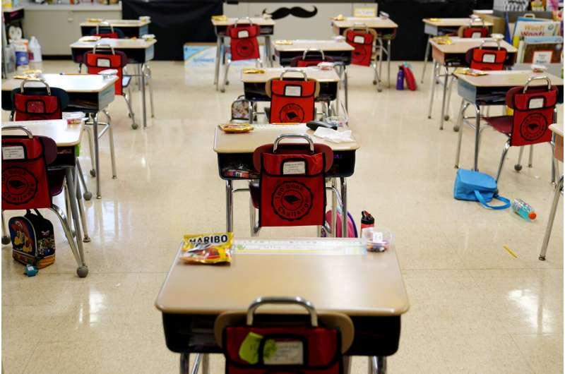 Insegnanti e studenti vaccinati non hanno bisogno di mascherine, afferma il CDC