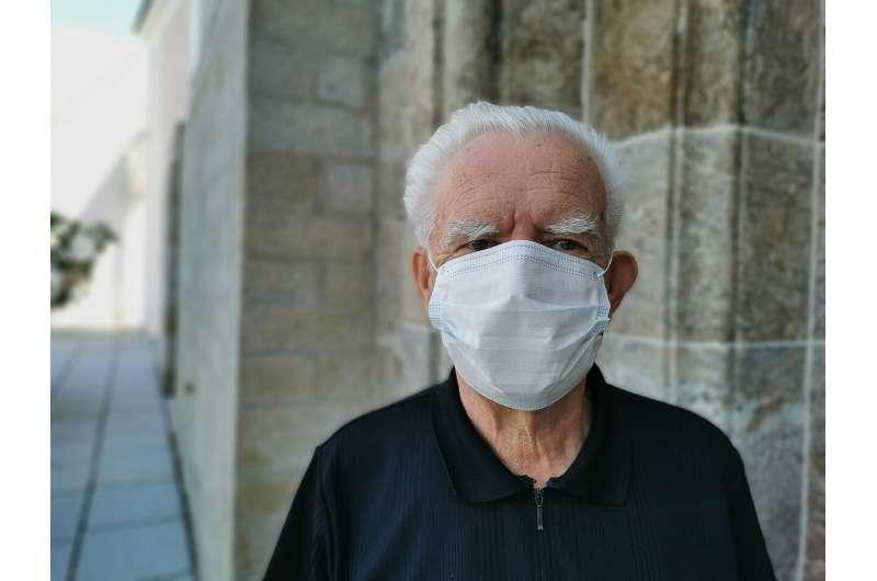maska dla osób starszych