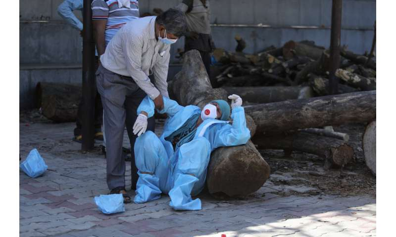 Cercetare: decesele Indiei în timpul pandemiei de 10X numărul oficial