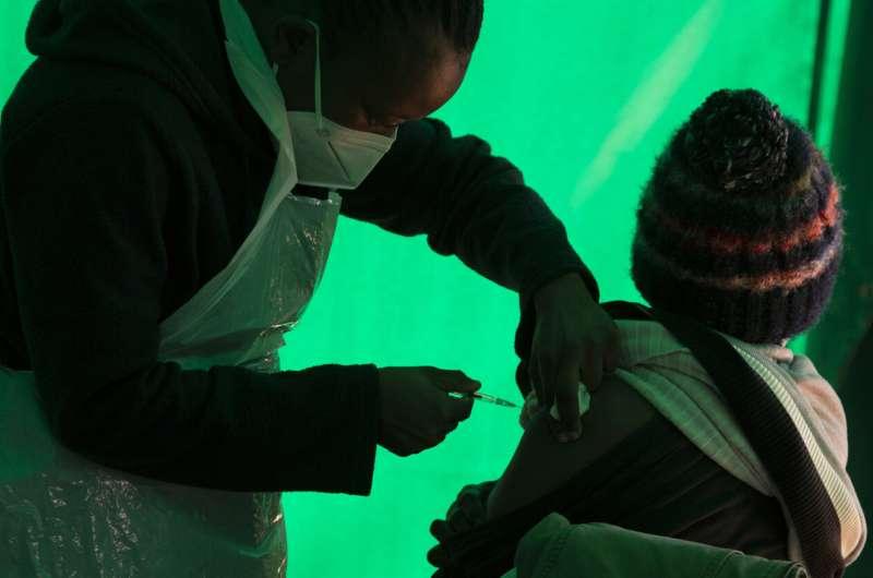 Empresa sul-africana para produzir vacina Pfizer, primeira na África