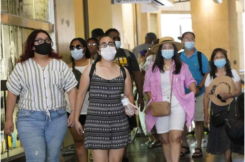 Los Angeles berharap mandat topeng baru akan membalikkan lonjakan virus