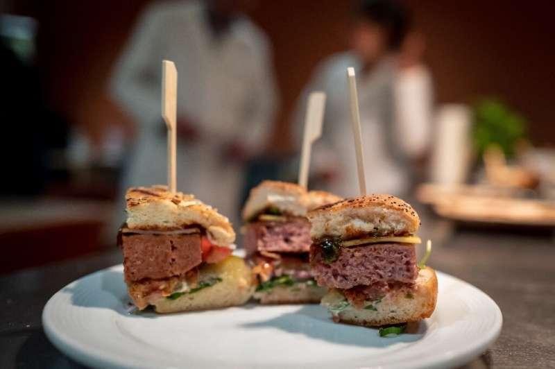 Hambúrgueres feitos com bife vegetal fazem parte da aposta da Firmenich em alimentos mais saudáveis