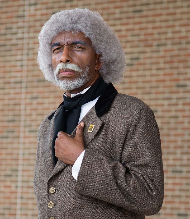 Ο LeCount Holmes απεικονίζει τον Frederick Douglass για το κοινό σε όλη τη χώρα. (Φωτογραφία ευγενική προσφορά του LeCount Holmes)